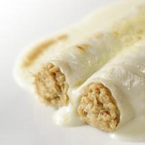 Canelones de pollo asado con bechamel de cebolla asada