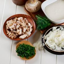 Canelones de setas y verduras con bechamel de ceps