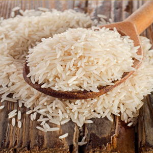 Arroz Thai salteado con cebolla y ajo tierno