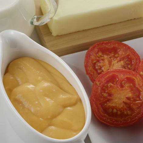 Canelons de bacallà d'Islàndia amb samfaina amb beixamel de tomàquet al forn