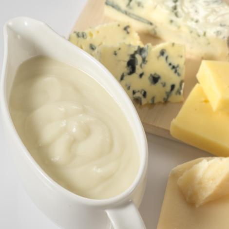 Raviolis de carne con salsa de 4 quesos